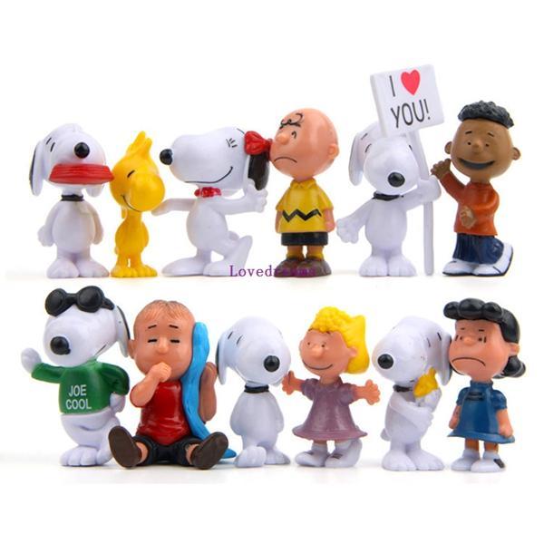 Yeni 12 adet / takım Fıstık Snoopy Film Karikatür Charlie Kahverengi Lucy Sevimli Çiviler Action Figure PVC Çocuk Oyuncakları En Iyi Hediye Telefon aksesuarları