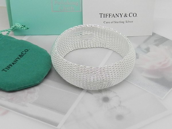 Double Interlocking Bracelet Necklaces Pendants Bracelets Rings Earrings Wedding Bands Charms Pearl women Jewelry Come dust bags, boxes