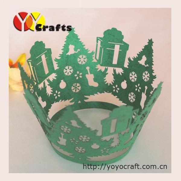 Yeni tasarım sıcak satmak lazer kesim noel ağacı kek sarmalayıcı ücretsiz logo yeşil renk noel için bile parti