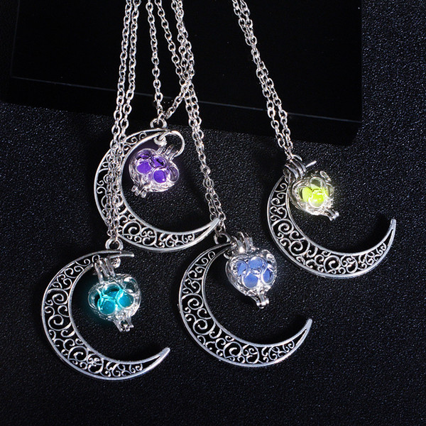 collier lune lumineux