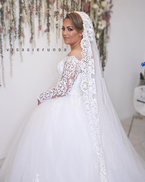 Lace Arabic 2018 Plus Size Wedding Dresses Off Shoulder Long Sleeves Ball Gown Tulle Bridal Dresses Vintage Wedding Bridal Gowns