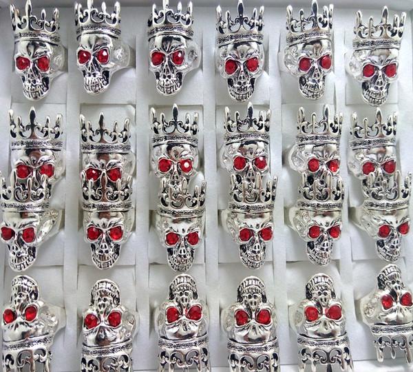 30 pcs Red Eye Couronne Cap Skull Anneau Haute Qualité De Mode Biker Squelette Anneau Personnalité Hommes Femmes Partie Bijoux 2018 NOUVEAU HOT RING