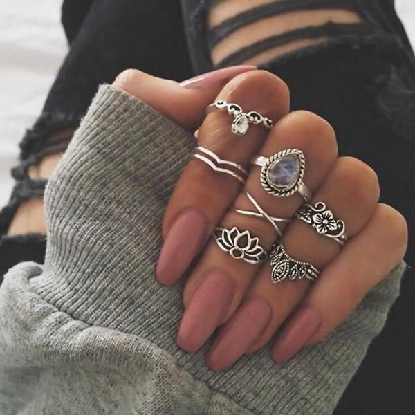 7 Pcs/set Women Fashion Vintage Punk Midi Hollow Gem Rings Set Antique Silver Color Boho Knuckle Ring for Women