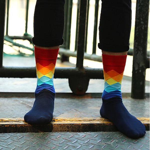 İngiliz Stil Moda Sıcak Zarif Ekose Gradient Renk Erkekler Çorap Ücretsiz Boyut 10 Renkler Erkek Kadınlar Moda Çorap Toptan