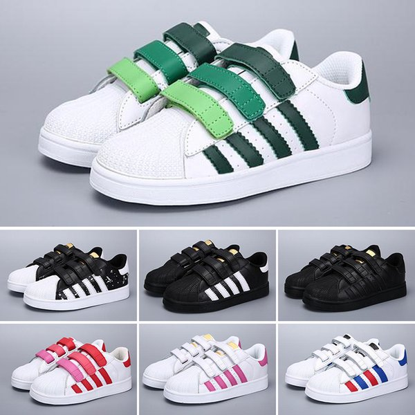 superstar adidas holographique