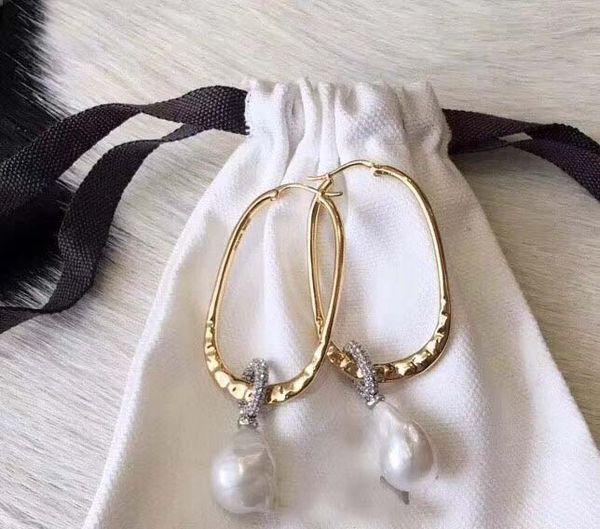Envío de la gota libre de alta calidad no se desvanecen pendientes de oso de perlas de acero inoxidable al por mayor para las mujeres venta caliente joyería de marca de moda