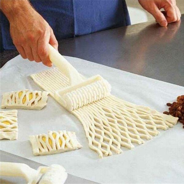 Alta qualità Pie Pizza Cookie Pastry Strumenti di cottura in plastica Bakeware Goffratura pasta a rulli Lattice Craft di piccole dimensioni