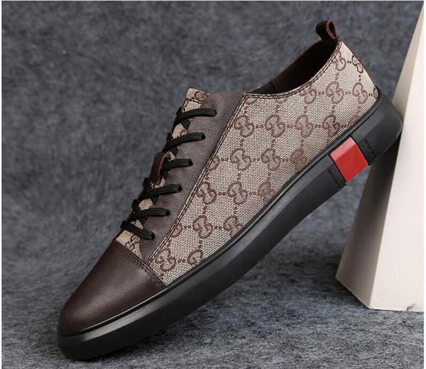 2019 New Style Fashion High Top Scarpe da uomo Spikes Scarpe di design di lusso Rivetti Scarpa da passeggio piatta Abito da sposa per feste dh2a11