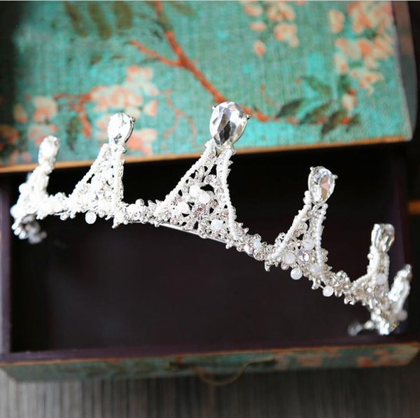 Handmade beads, bridal crown, white head ornaments, pearl jewelry, wedding gowns, wedding dress accessories, hair bands.
