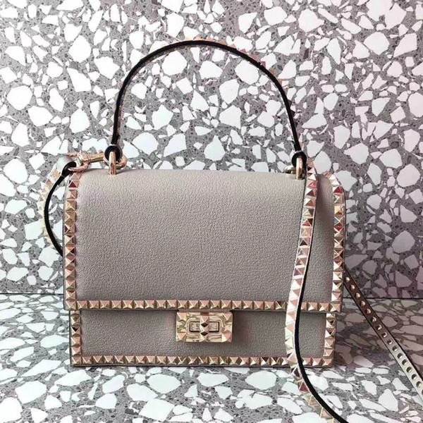 2018 new genuine leather rivets women handbag 7A quality famous designer garavani Rock Studs spike lady fashion crossbody shoulder bag 23cm