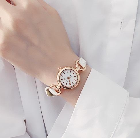 Mulheres de quartzo analógico de pulso pequeno mostrador do relógio delicado de luxo relógios de negócios relógios moda casual mulheres vestido de relógios