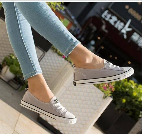 free shipping new Korean version of the canvas shoes female wild shallow flat lazy casual shoes autumn breathable white shoes tide