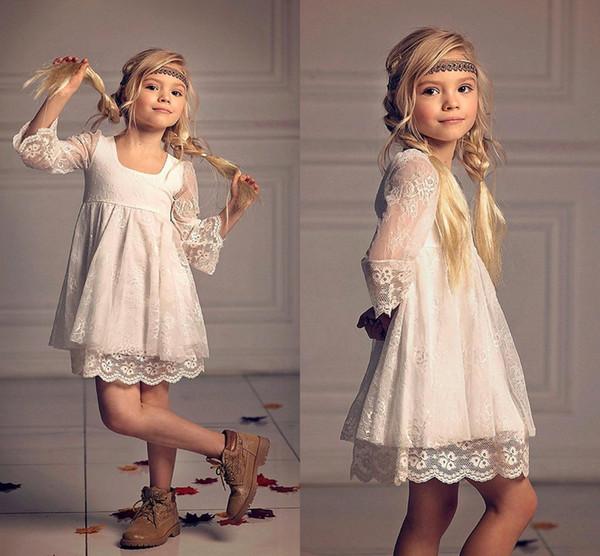 Robes de filles de fleur de style de campagne pleine dentelle pas cher avec 3/4 manches longues 2018 mignon Ivoire court petites filles robes de soirée pas cher MC1550