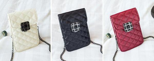 Free Shipping(1pcs)2018 new classic three-dimensional flower mobile phone bag ladies shoulder diagonal bag mini lock buckle trend wild purse