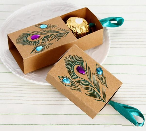 New European Design Peacock feather candy box kraft paper gift packaging for sweets tea dim sum wedding favors
