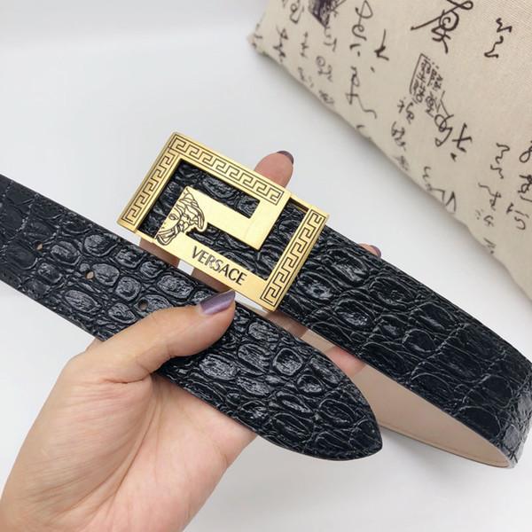 2018 Cinturones de hebilla lisos para hombres Cinturones clásicos para hombres Cinturón de cuero de alta calidad para hombres Envío gratis con caja V130-1009