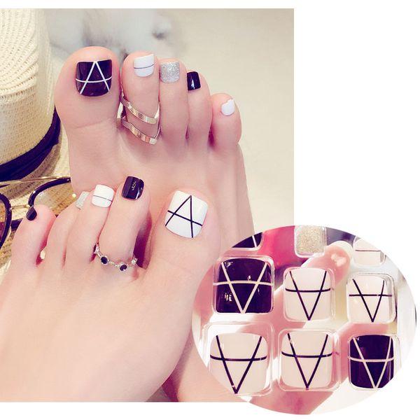 Faux Ongles Pieds Conception De Mode Ongle D'ongle Patch Nail Art Portable Manucure Détachable Produits Faux Toe Nails Noir Et Blanc