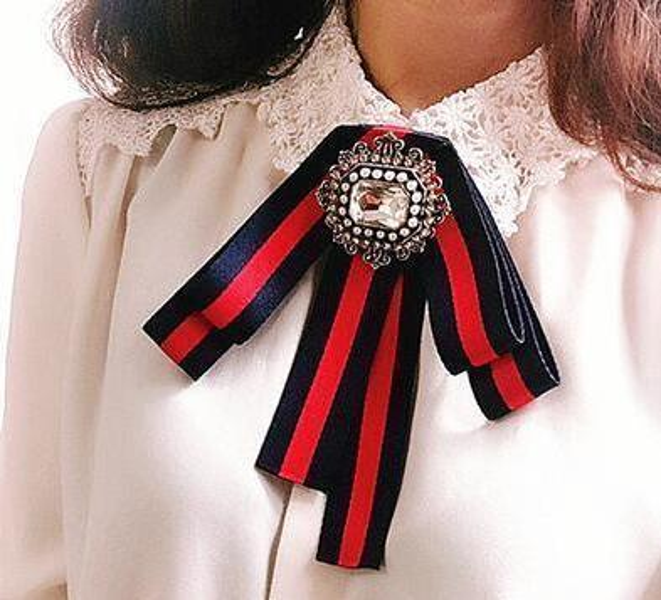Diamant-Fliege Brosche Striped Ribbon Strass Perle britischen Stil Pins Männer und Frauen Fliege koreanische Kragen Hemd Krawatte