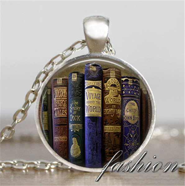 Livre collier de charme Antique Books pendentif livres bijoux professeur enseignant bijoux écrivain bibliothécaire livre nerd cadeau collier