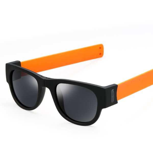 Pie naranja / negro