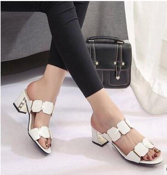 Sandalias de las mujeres nuevo estilo grueso - boca de los pescados de tacón fresco zapatillas de metal cubierta decorativa sandalias de tacón alto de las mujeres estación Europea