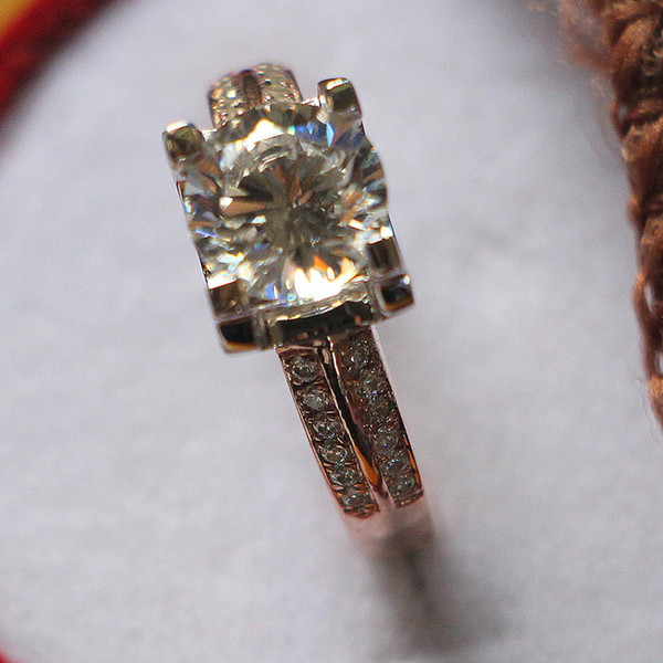 AU750 Rose Gold Color Setting 2Ct Prongs Micro Paved 925 Sterling Silver Jewelry Synthetic Diamonds Female Band Ring