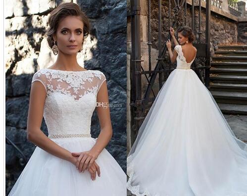 2018 Princes Open Back Wedding Dresses Sheer Neckline Lace Appliques Cheap Vestios De Novia Bridal Gowns with Pearls Sash