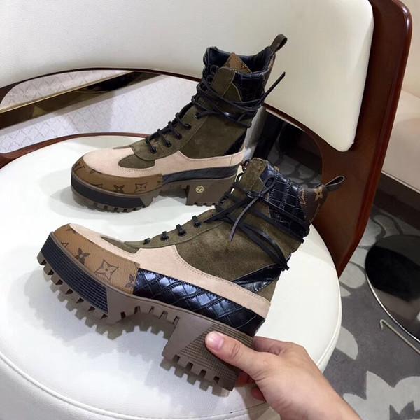 Bottes de neige de créateurs de mode pour les femmes en cuir et les semelles robustes respirant confortable