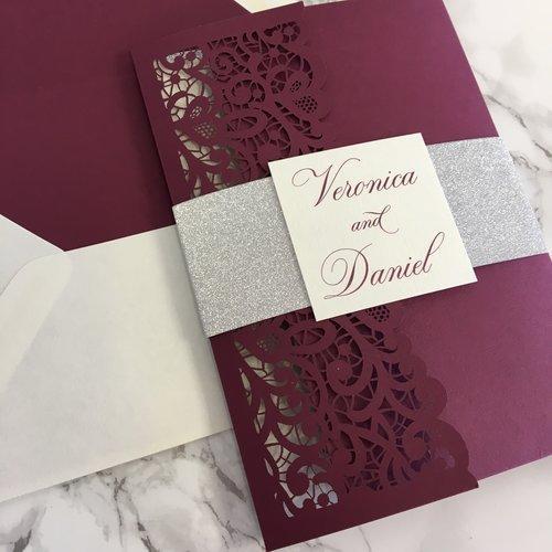Laser Borgonha Vintage Cut Tri-fold Kits convite do casamento com Tag Belly Band, customizável convida com envelope, frete grátis