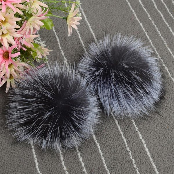 GMANCL Genuine Real Sliver/Red Fox Fur Pompom Ball for Hats Caps Warm 2017 Winter Natural Color Fur Ball Shoes Hats Bags Gloves