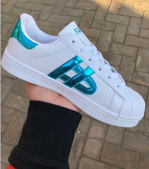 Low price Sneakers womens Men's Casual Shoes Flat Fashion Smith White Shoe Laser Dazzle Colour Unisex Superstar Shell Head casual shoes