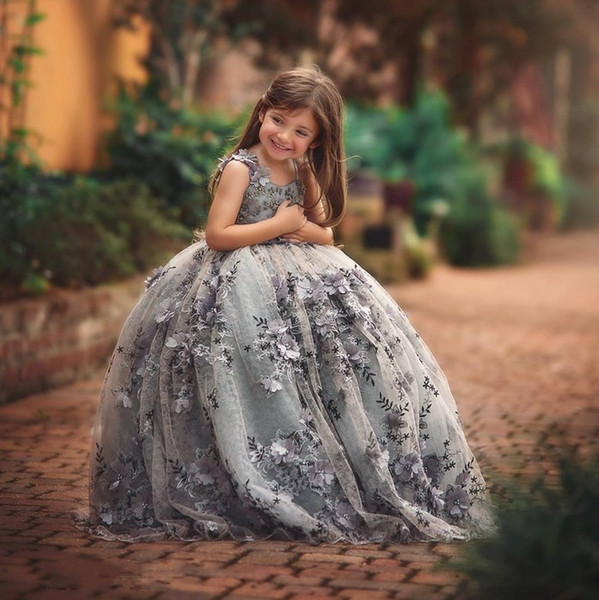 Gray Floral 3D Appliqued Lace Ball Gown Flower Girl Dresses For Wedding Toddler Pageant Gowns Sweep Train Tulle Kids Prom Dress