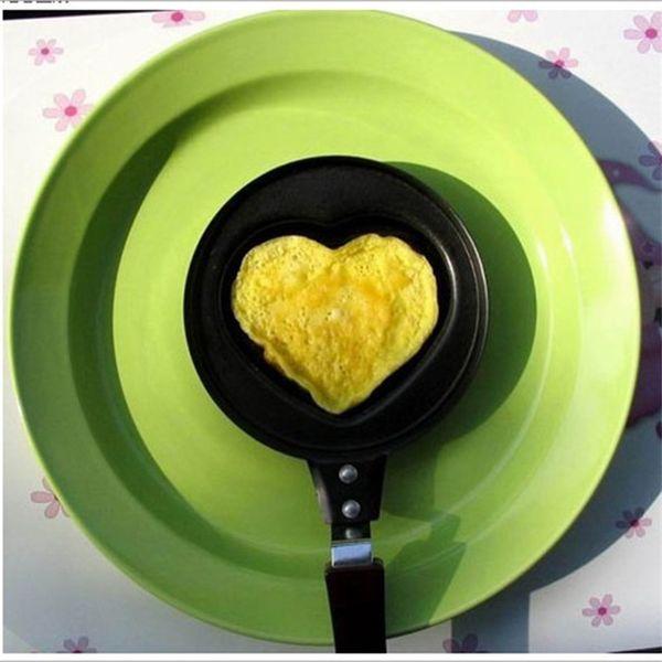 Cartoon pan Creative Kitchenware Cute Cartoon Heart-shaped Omelette Pan Love Omelette Pan Creative cookware 12 CM