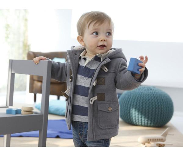 Toptan-Kış çocuk giyim Avrupa ve Amerikan tarzı erkek boynuz toka polar ceket 0-5 yaşında nesil saç erkek ceket