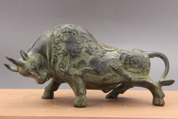 Exquisite China bronze ware Hand Carved cattle statue