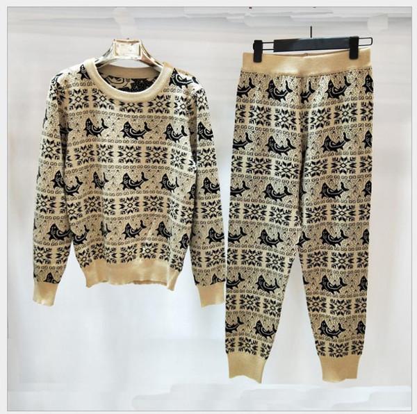Traje de cuello redondo de alta calidad de las mujeres 2018 otoño e invierno nueva moda camisa de manga larga de punto casual + pequeños pies pantalones de dos piezas su