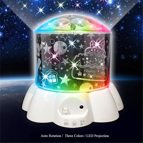 Novedad 2018 Proyector LED Luz nocturna Hello Kitty Doraemon Osito de peluche Estrellas Luna Proyección girada Iluminación LED Romántica Mini lámpara LED