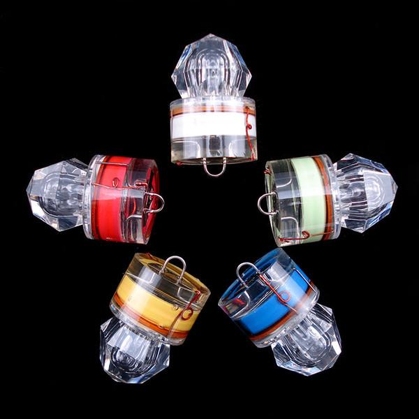 4 Adet / torba Balıkçılık Squid Yüksek Basınçlı Su Içinde Toplama Işık Balık Gözleme Flaş ışığı Lures Kırmızı / Sarı / Mavi / Yeşil / Beyaz