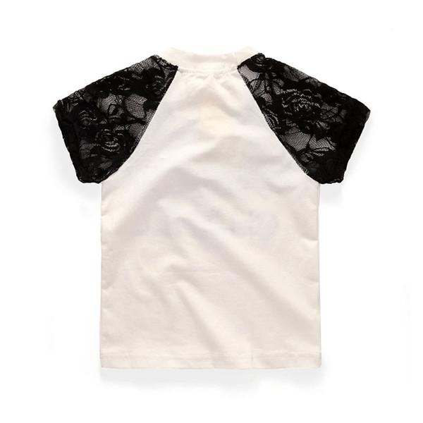 Moda üç parçalı yaz yeni serin kız moda takım elbise / mektup dantel dantel T-shirt + nokta etek + inci kolye üç parçalı takım