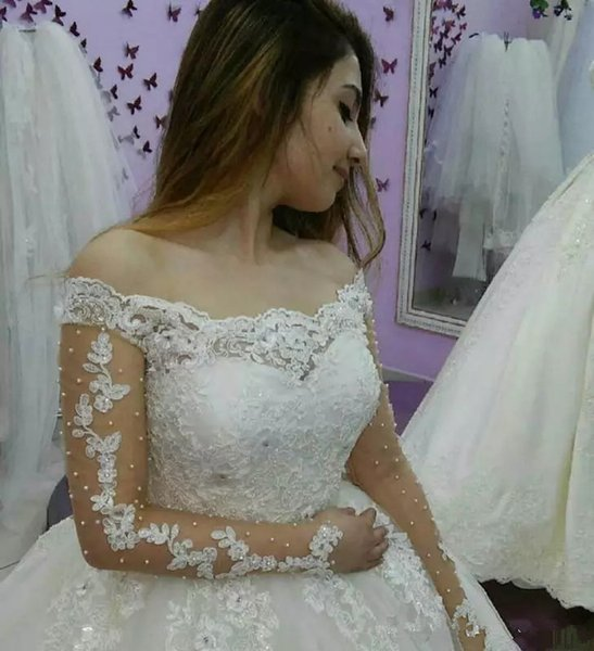 Country Wedding Dresses Ball Gowns with Long Sleeves Puffy Tutu Simple Plus Size Garden Arabic Wedding Bridal Gowns Sweep Train