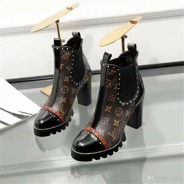 18ss New Arrival High Top Women Casual Shoes Red Bottom Boots Girls Designer Luxury Shoes With Studded Spikes Party Boots Winter