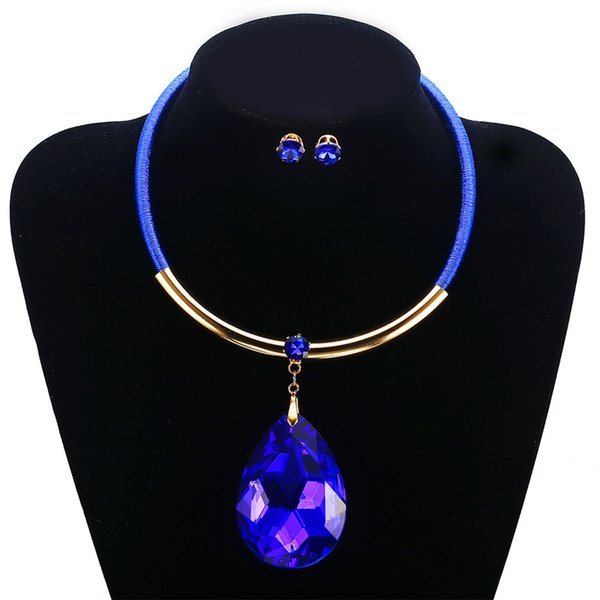 Jewelry Sets Heart Earring Gemstone Pendant Collar Necklace Crystal Long Chain Statement Necklace Modern Pendant Lamp New Style for Women