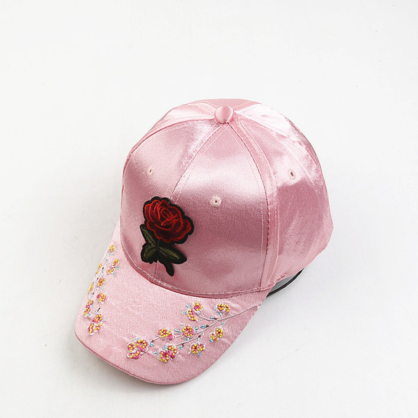 1pc chapeaux de baseball de l'été de la mode des femmes chapeaux brodés papillon / fleur imprimant en plein air satin filles casquettes réglables