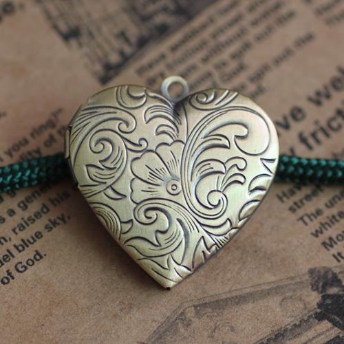 10pcs 29mm antique bronze brass heart flower photo locket pendants for necklace vintage picture frame charm pendant metal wish box jewelry