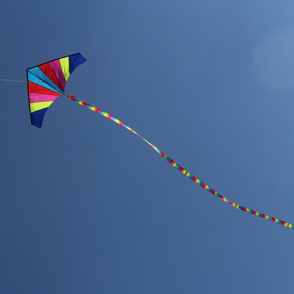 Pliable 10 Mètres Rainbow Kite Sans Outils de Vol En Plein Air Sports Jouets Enfants Enfants Coloré Longue Queue Triangle Kites