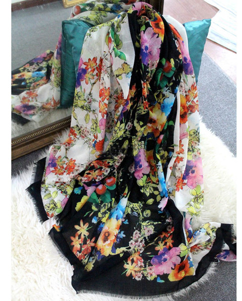 Luxury Fashion Brand Design Long Floral Cashmere Muffler Floral Print Wool Muffler Thick Warmer Winter Long scarfs and Shawls Wraps Pashmina