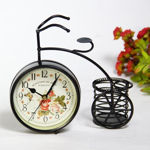 Antique style pastoral creative desk clock within pen pot iron art bicycle mute table clock home decoration