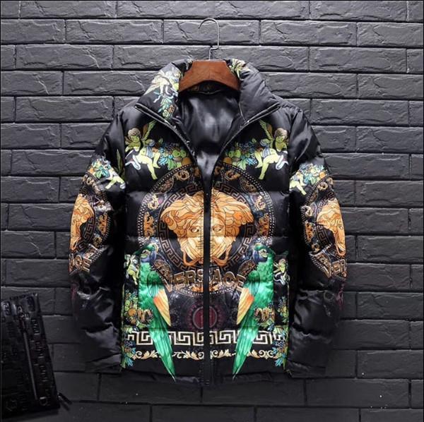 Yeni Kış Erkekler Aşağı Ceket Yüksek Boyun Medusa Baskı Rahat Erkek Aşağı Ceket Renk Siyah Ördek Aşağı Doldurma Artı Boyutu Sıcak Dış Giyim Coat