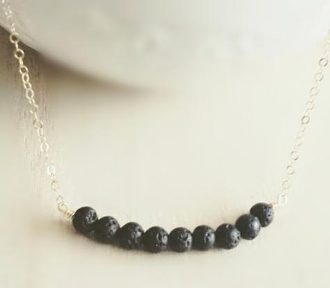 12pcs / lot collana di olio essenziale collana di pietra lavica in argento tono oro nove perle lava delicati gioielli moderni