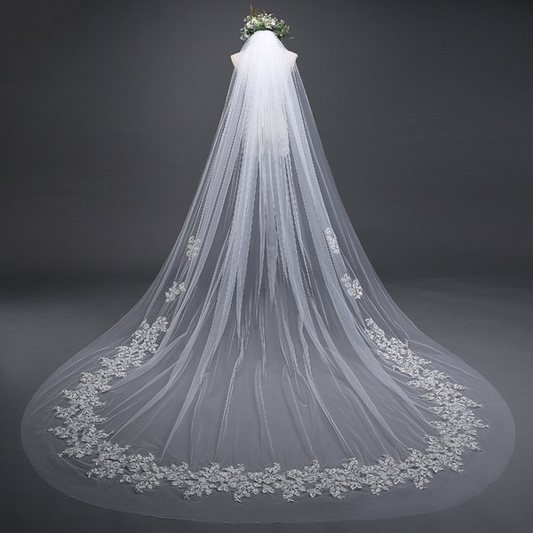 2018 Cheap In Stock 3 m*3 m Bridal Veils Lace Bridal Wedding Accessories Long Appliques Edged Cathedral Formal Wedding Veils 02